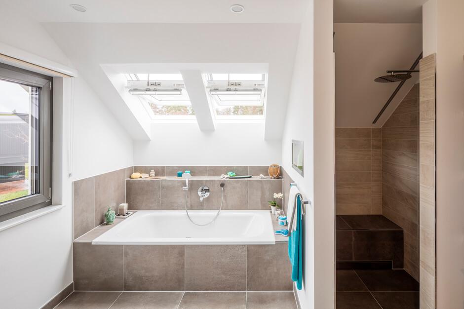 42+ Badezimmer Dachschräge Fliesen - Malvorlagen fur ...